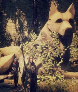 Estátua para o deus Fen'Harel no templo de Mythal, retirada daqui.